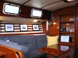1983 Endeavour 33 Sailboat For Sale